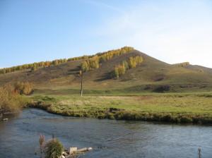 Река Березовка под сопкой